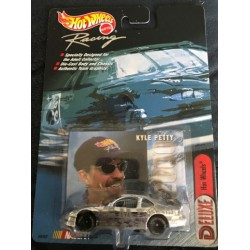 Hot Wheels Racing #44 Hot Wheels Kyle Petty - Chrome
